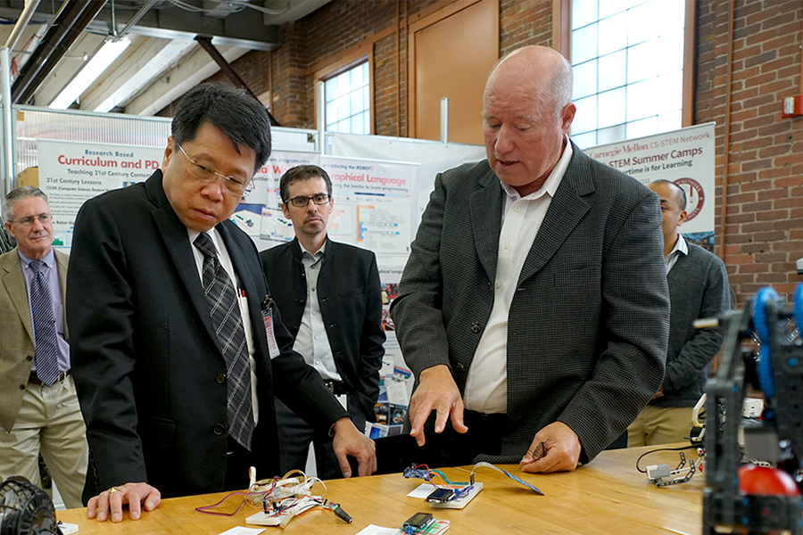 Dr. Teerakiat Jareonsettasin, Minister of Education of Thailand, visited NREC earlier this week to learn about the latest robotics and educational technologies.